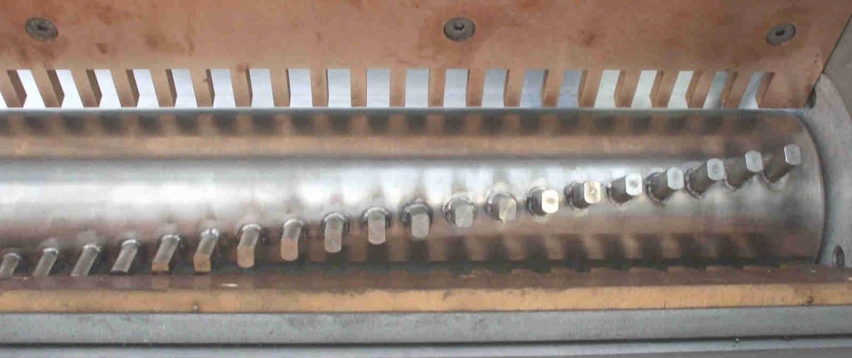 discharge-Device-Standard-breaker-Steel-Belt-Systems-1500x630